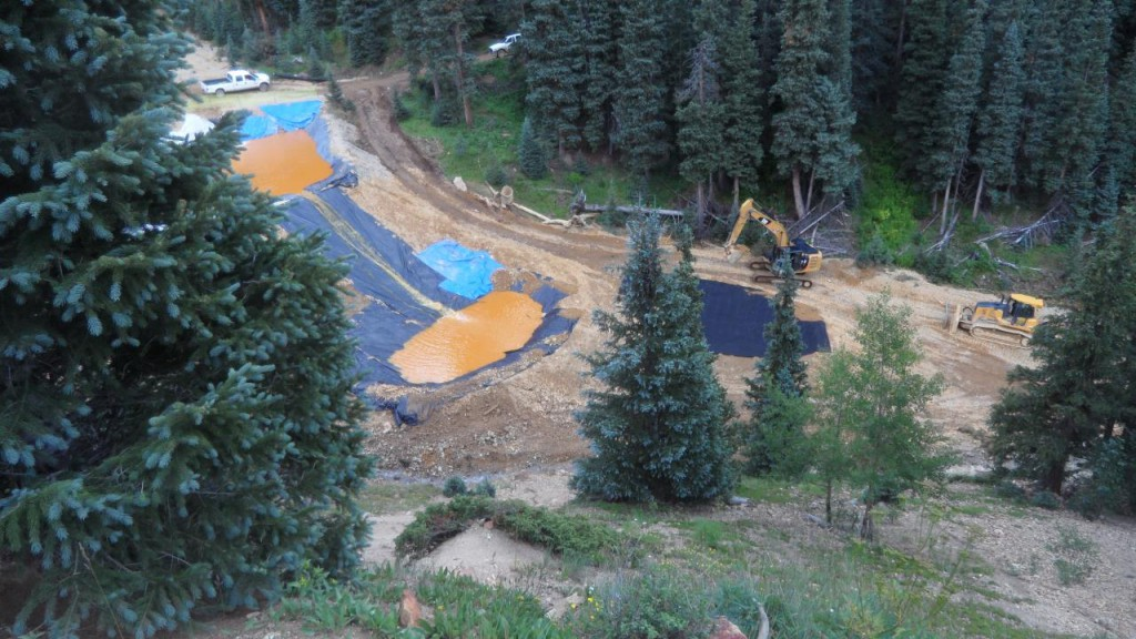 Gold King Mine Spill Emergency Retaining Ponds. Image from Wikimedia Commons.